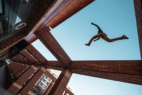 parkour salto edificio