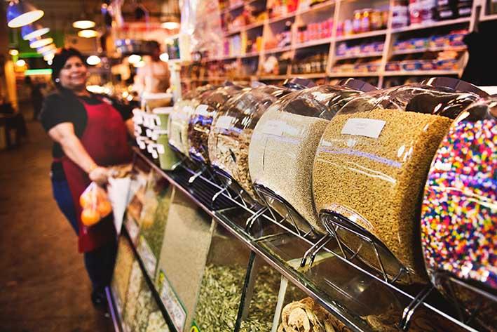 Innovadores-Empaques-Tendencias-Reusar-o-Reciclar-sustentabilidad-tienda-supermercado-dulces